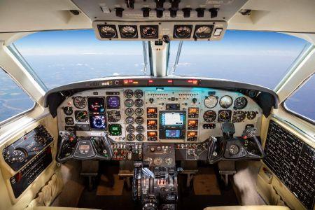 2000-King-Air-C90B-7.jpg