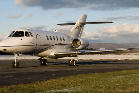 Hawker-1995-800A-1.jpg