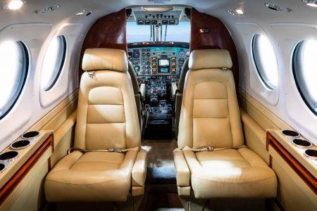2000-King-Air-C90B-5.jpg